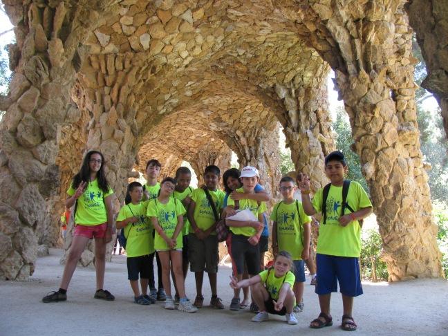 Sota l'arc de Gaudí 2